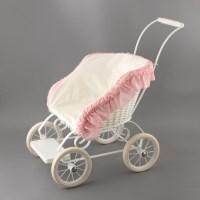 Плетеная коляска для куклы